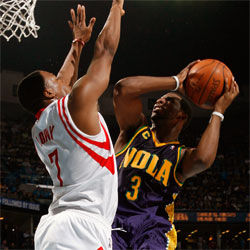 Houston Rockets Kyle Lowry and New Orleans Hornets Chris Paul